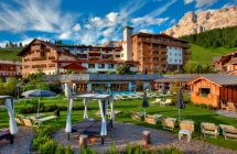 Hotel Fanes ****s <br> St. Kassian